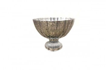 Hammered Silver bowl with foot for wedding tables, arrangements, florist deor, home decor from Gt Sundries